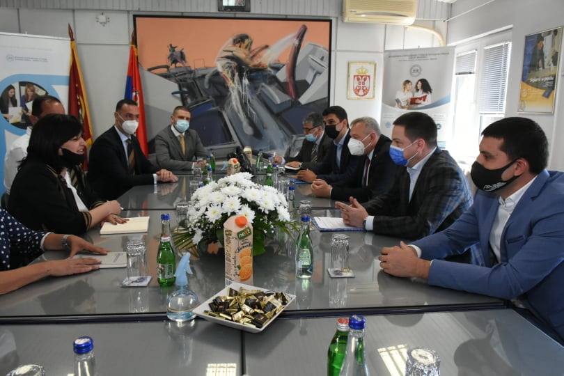 Ministar Ruzic u poseti Akademiji01